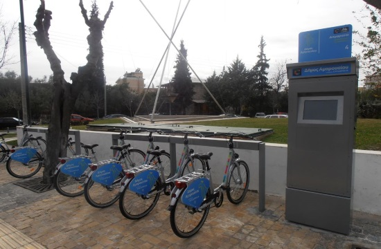Sport tourism: Exploring the Greek capital of Athens by bicycle