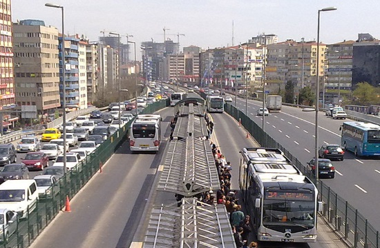 Istanbul launches 24-hour public transport on selected metro and bus lines