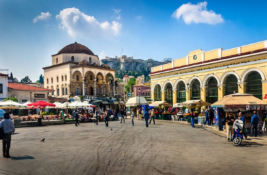 Initiative to rid central Monastiraki Square in Athens of plastics