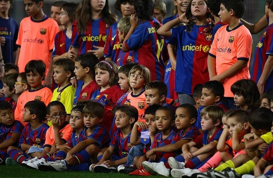 Barcelona FC offers free soccer training to child refugees at Lesvos island