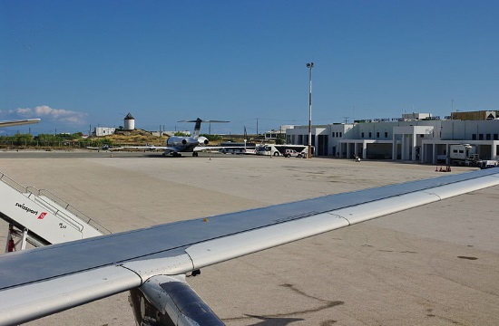 Passenger traffic at Greek airports dropped 99% in April due to coronavirus
