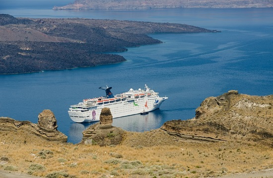 Small rise in cruise passengers in Greece expected for 2018