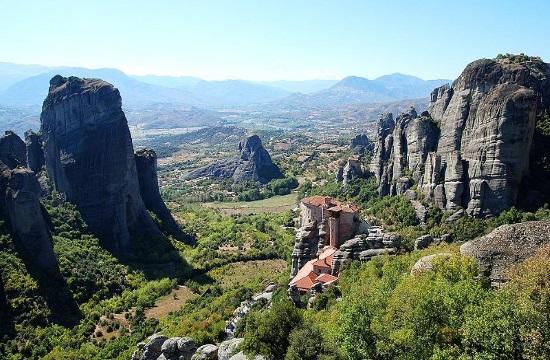 Religious Tourism: Visit Monastery of Agia Varvara Roussanou in Meteora