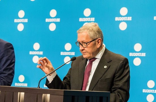 ESM's Regling: Second bailout tranche to Greece depends on e-auctions