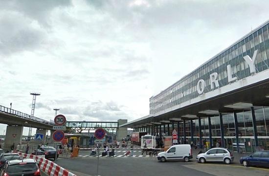 Man killed at Orly airport had shot at police before the attack