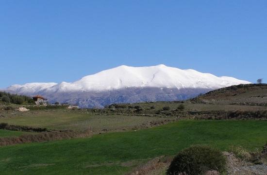 Norwegians travel to Greek island of Crete for skiing on Mount Psiloritis