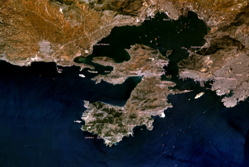 Oil slicks from Salamina spill sighted off Agios Kosmas while cleanup is underway