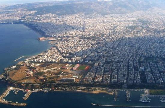 Tornos News | Customs officers in Thessaloniki port's Gate 16 cut