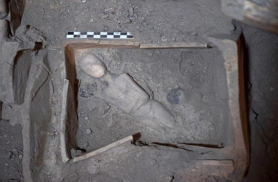 Important new finds discovered at Akrotiri prehistoric settlement on Santorini island