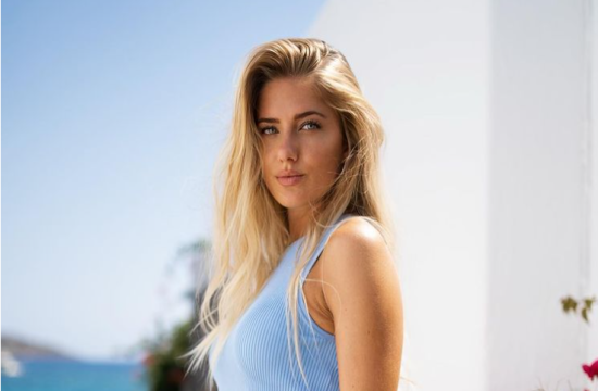 Alica Ѕchmidt, the sexiest athlete in the world is in the Greek island of Crete