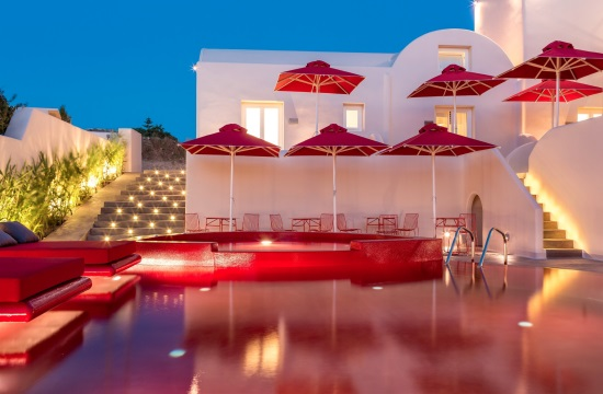 Aqua Vista Hotels brings art to the forefront again at Santorini Aqua Gallery