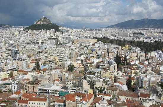 Property investors prefer tourist rather than urban areas in Greece