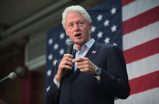 "Bill Clinton praises Giannis Antetokounmpo as ""unbelievable"" (videos)"