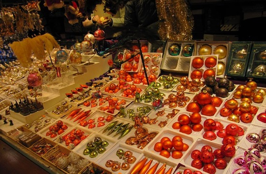 Retail stores of seasonal Christmas goods to open in Greece on Monday December 7