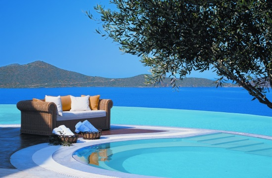 Greek Tourism 2016: +450,000 visitors in September - hotel business expectations indicator jumps to 116.2 points