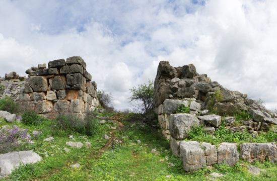 """Reviving"" of Mycenaean acropolis of Gla in Viotia area of Central Greece"
