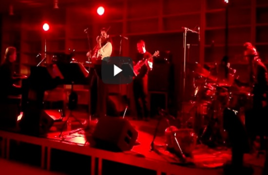 Hot jazz violinist quartet warms up a chilly Athens night at SNFCC (video)