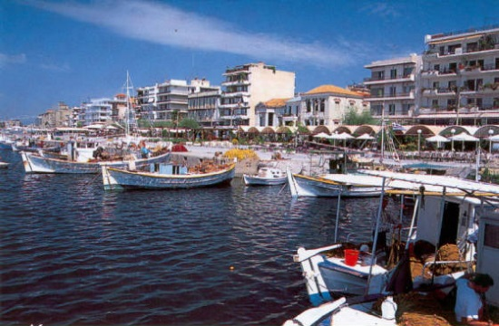 Mayor of Kalamata invites visitors to Greek city in interview with TNH