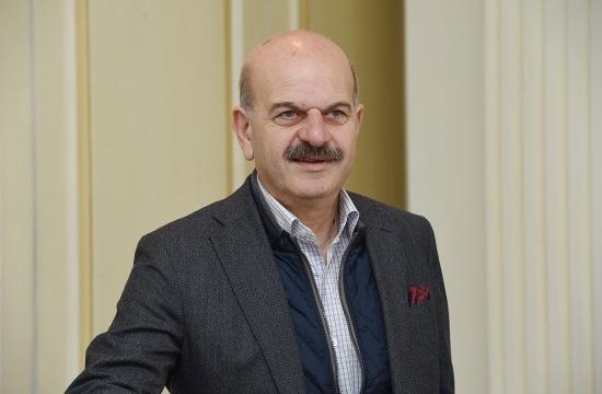 Global enthusiasm for Greek plan to extend season
