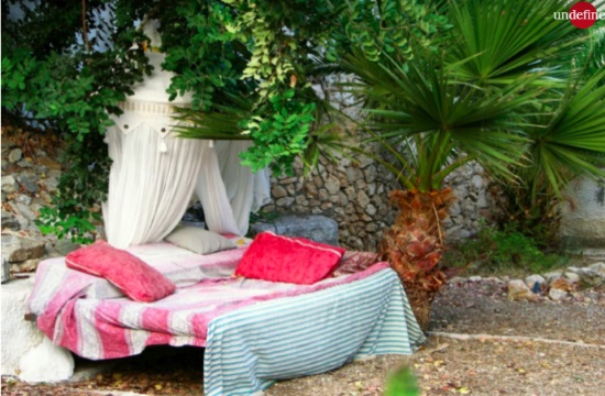 Media report: Roofless room in Greek island of Crete available on Airbnb