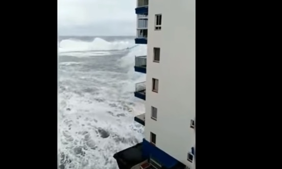 Shocking moment a monster wave destroys balconies in Tenerife