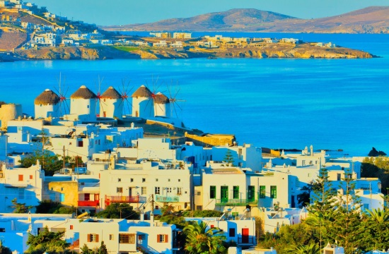 Mykonos and Santorini among the 11 most expensive European beach resorts in August