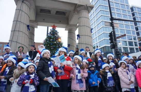 Greektown Chicago hosts festive annual Christmas ceremony and tree lighting