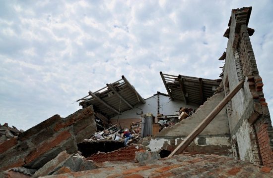 Greece offers assistance to earthquake-stricken Italy