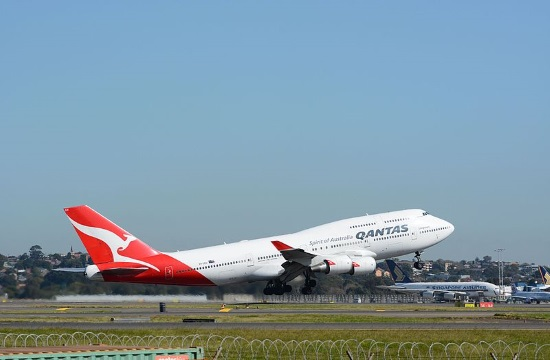Australia's national carrier Qantas carries out 19 ½-hour London-Sydney flight