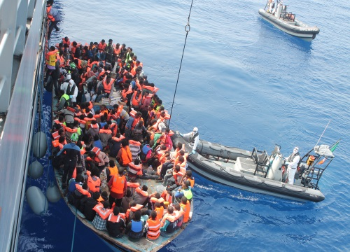 Frontex records drop in migrant flows to Greek islands during October