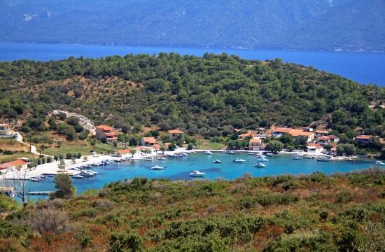 Travel guide for Samos, the Greek island of Hera and Pythagoras