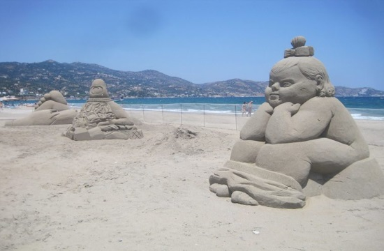 Amazing sand sculptures on marine environment protection in Crete