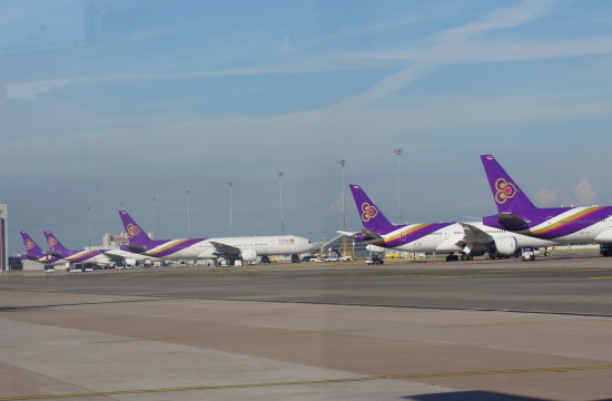 AP: Thai Airways International suspends all flights from abroad