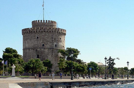 Thessaloniki police hit streets to enforce lockdown and curtail defiance