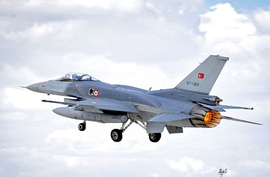 Eight Turkish aircraft violate again Greek airspace 33 times on Monday