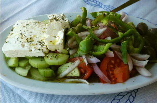 US authorities renew tariff exemptions for Greek olive oil and cheese