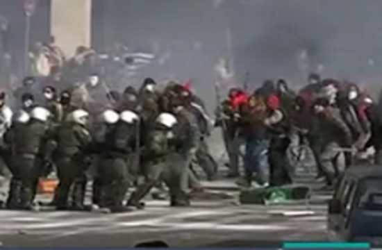 """Riots and protesters"" turn Syntagma in Athens into a movie set (video)"