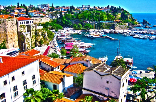 42% fewer tourists in Antalya during first 5 months of 2016 - many hotels closed