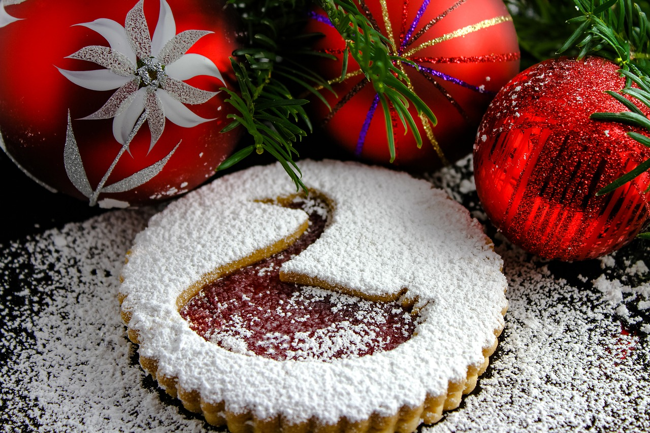Greek holiday traditions of Christopsomo and Vasilopita