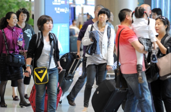 UNWTO: Chinese tourists spent 12% more in travelling abroad in 2016