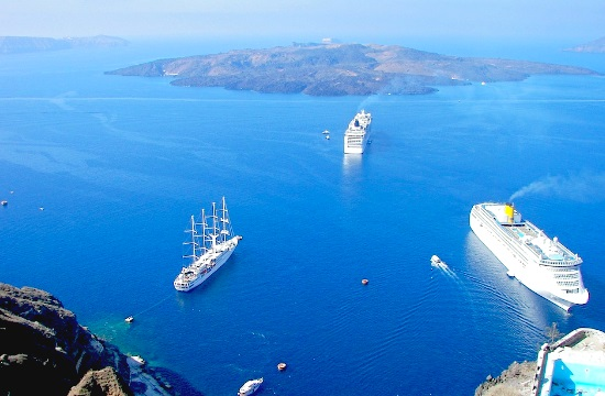 Cruise ship operators call for new port location on Santorini island