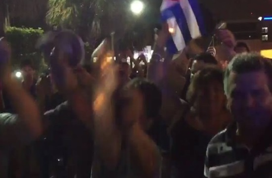 Hundreds of Cubans in Havana and US celebrate Fidel Castro's death (videos)