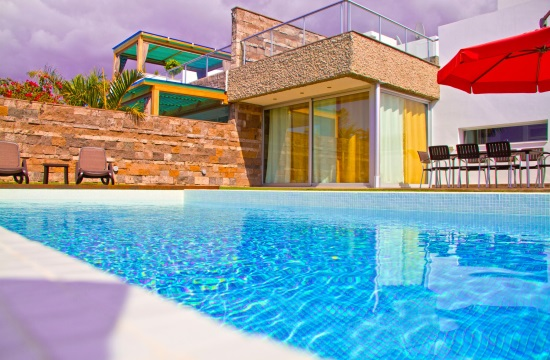 Summer Tourism 2016: 4 Greek island villas among European top-10 beach houses