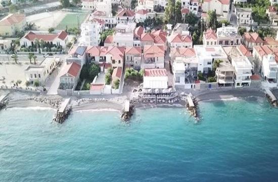 Report: The Greek town where each house boasts a private beach (video)