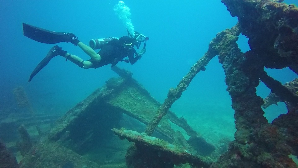 Four shipwrecks to become first underwater museums in Greece