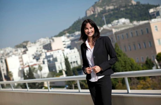 Minister Kountoura: Tourism demand for Greece spikes in 2017