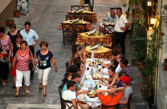 1 in 4 Europeans in Greece find employment in tourism