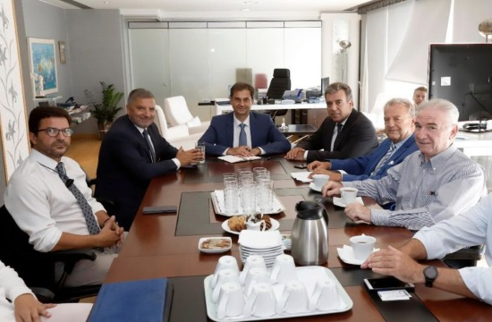Greek Tourism Minister meets council promoting Medical Tourism in Greece