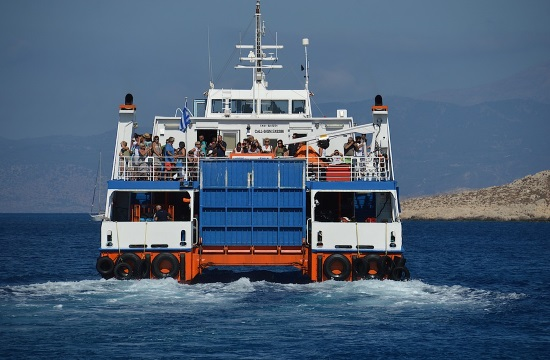 Shipping Minister presents framework for limited-traffic ferry routes in Greece