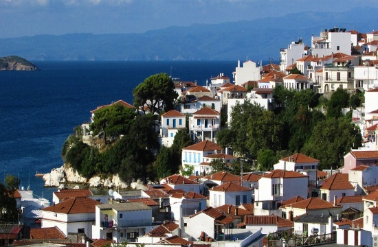 Foreign capital buying properties in Greece up by 155.7%